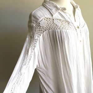 Free people top w/ crocheted lace detail